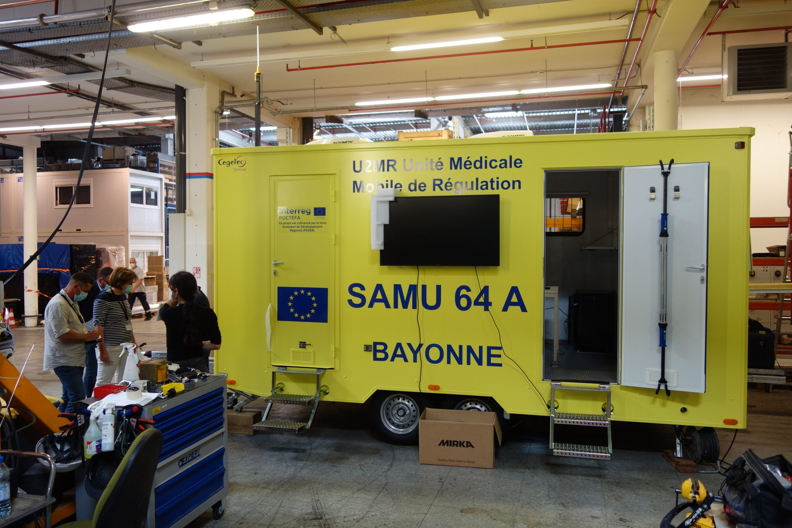 Mobile medical response unit provides coordinated on-site emergency and disaster healthcare